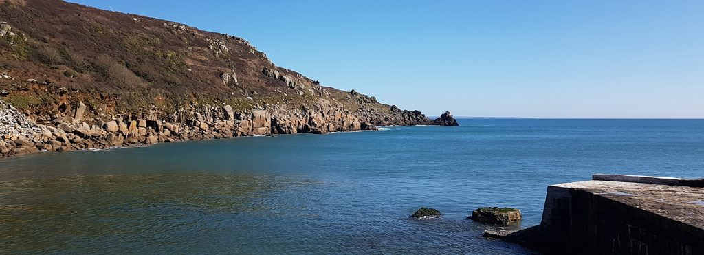 Stand up Paddleboard tour and things to do - Lamorna Cove Coastal SUP